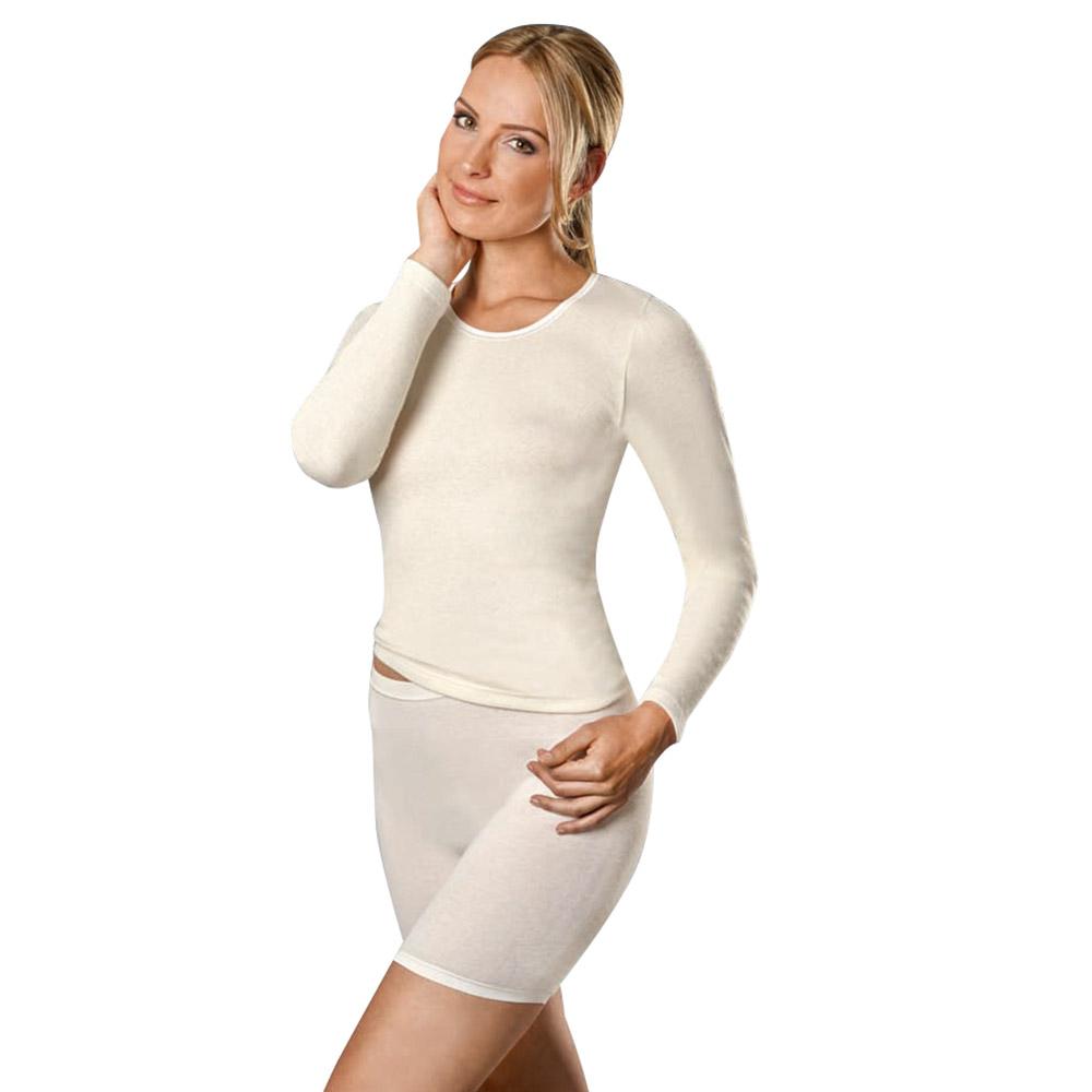 Die wunderbar flauschige Unterwäsche liegt angenehm auf der Haut und hält Sie herrlich warm.