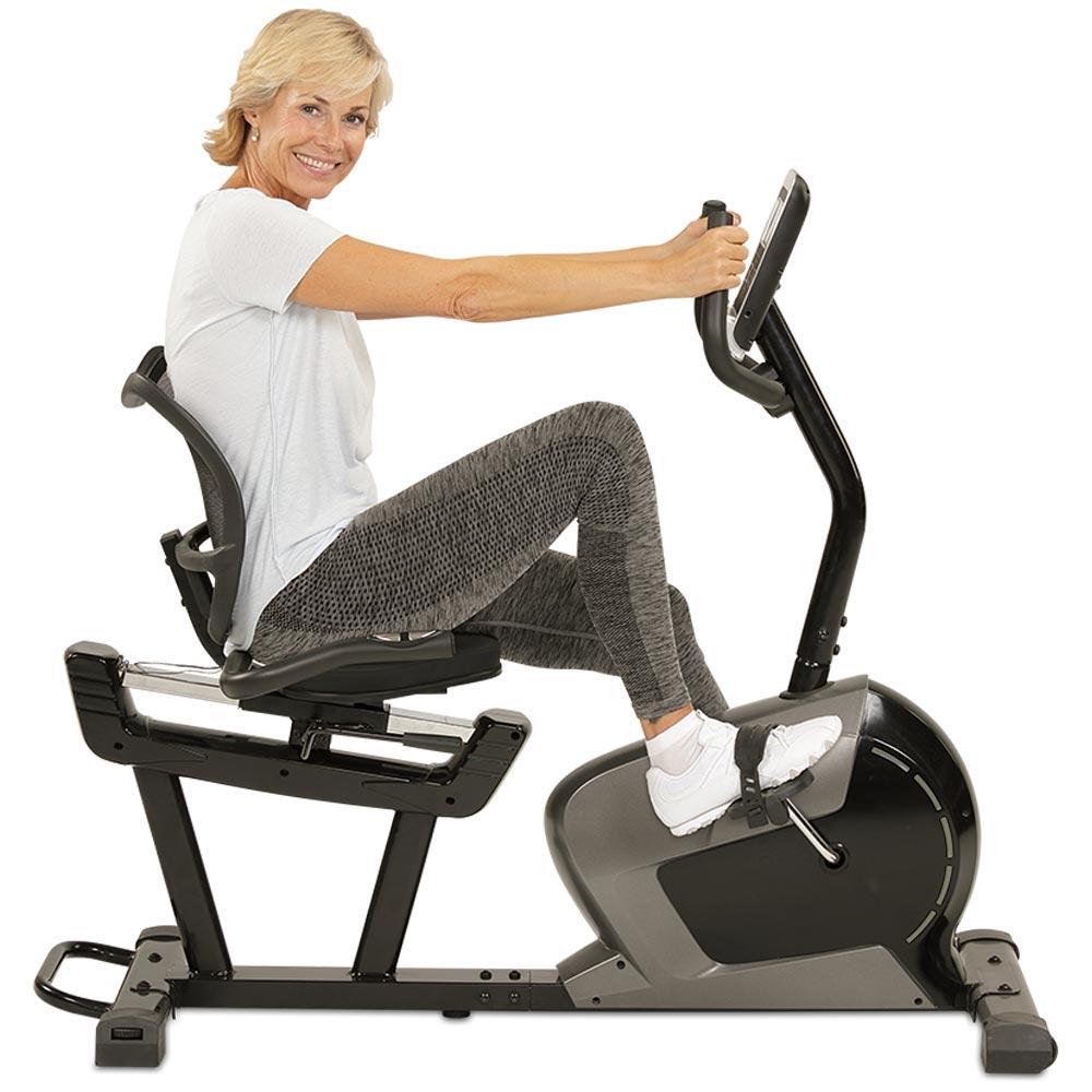 Über die Pulssensoren an den seitlichen Handgriffen können Sie während des Trainings Ihren Kreislauf kontrollieren.