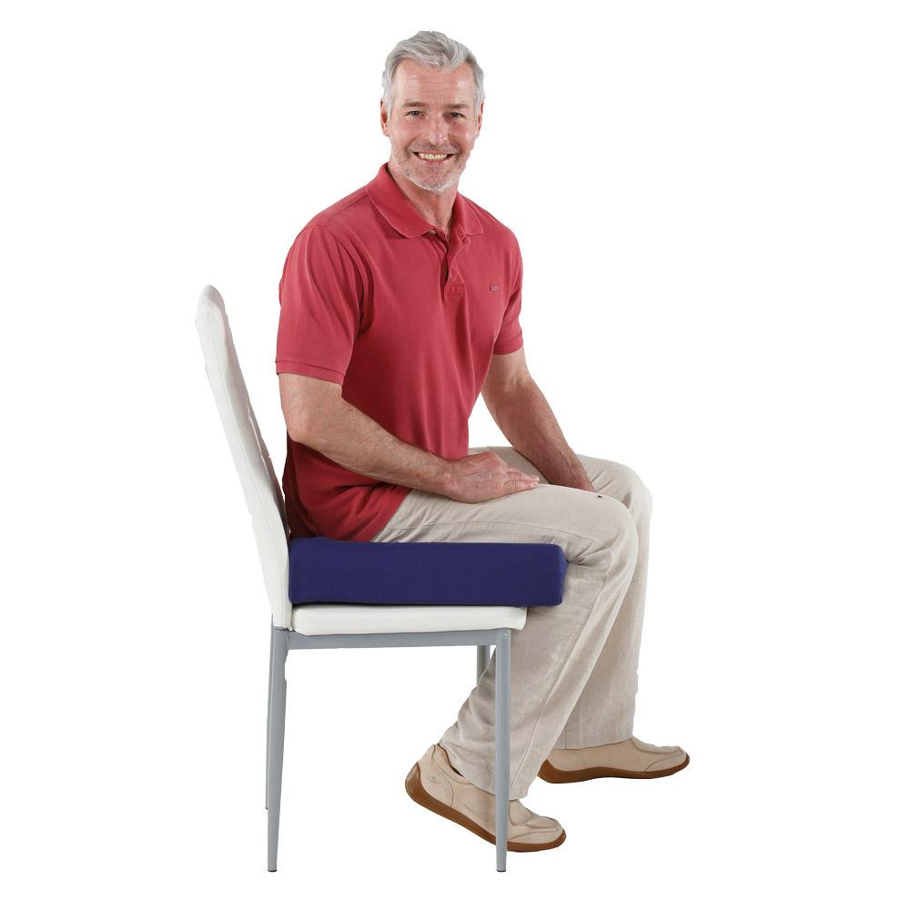 Mehr Sitzkomfort plus praktische Aufstehhilfe.