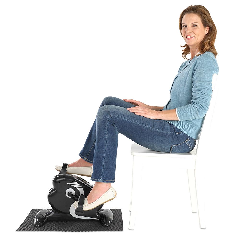 Mit dem Mini-Heimtrainer können Sie effektiv die Muskulatur an Armen und Beinen kräftigen.