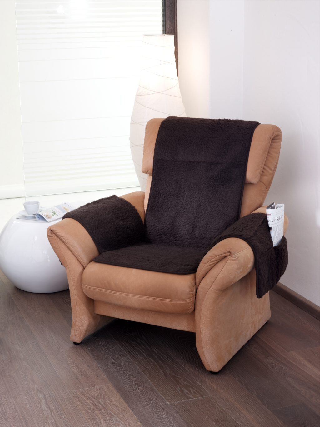 Elegantes Design in seidig-glänzender brauner Schurwolle