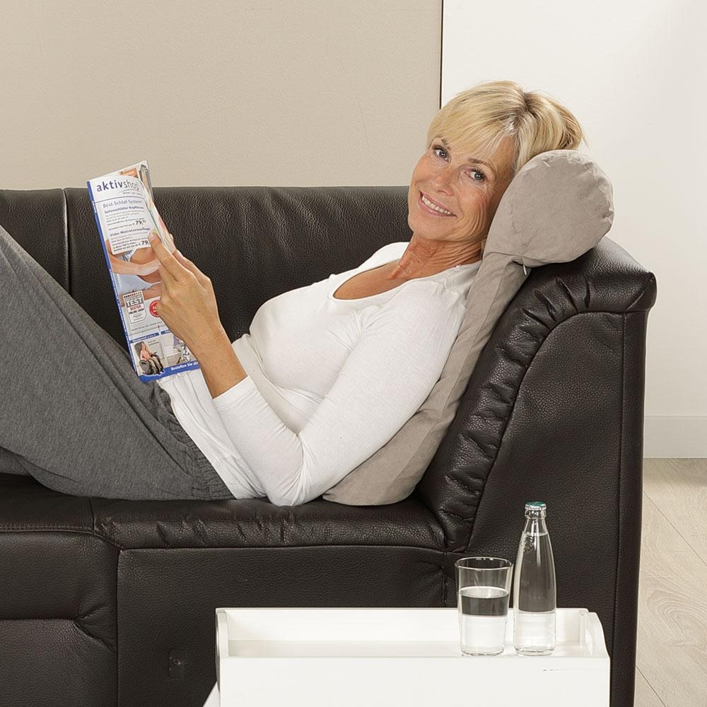 Beim Lesen und Entspannen bietet Ihnen das anschmiegsame Lesekissen eine perfekte Stütze für Kopf und Nacken.