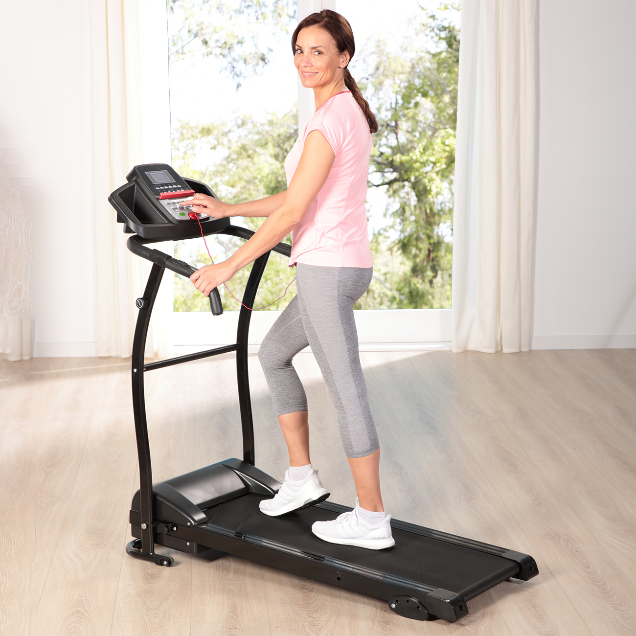 Ob leichtes Walking oder schnelles Joggen, bei den 12 Trainingsprogrammen ist für Jeden das Passende dabei! Bestellen Sie sofort und überzeugen Sie sich selbst!