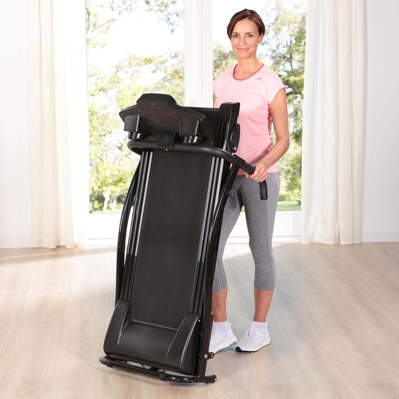 Nach dem Training einfach wegrollen und verstauen - Das Laufband aktiv Vital Pro ist ein echtes Platzspar-Wunder!