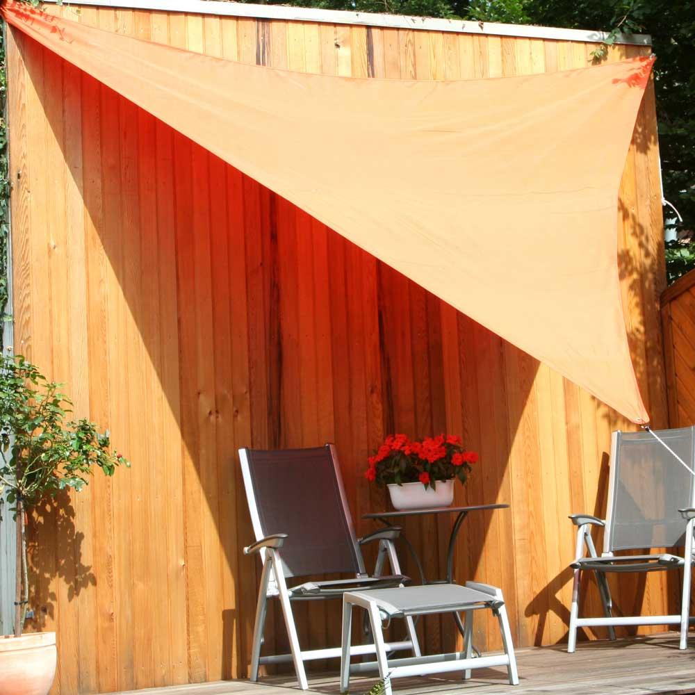 Im sommerlichen Farbton Terrakotta ein absoluter Blickfang