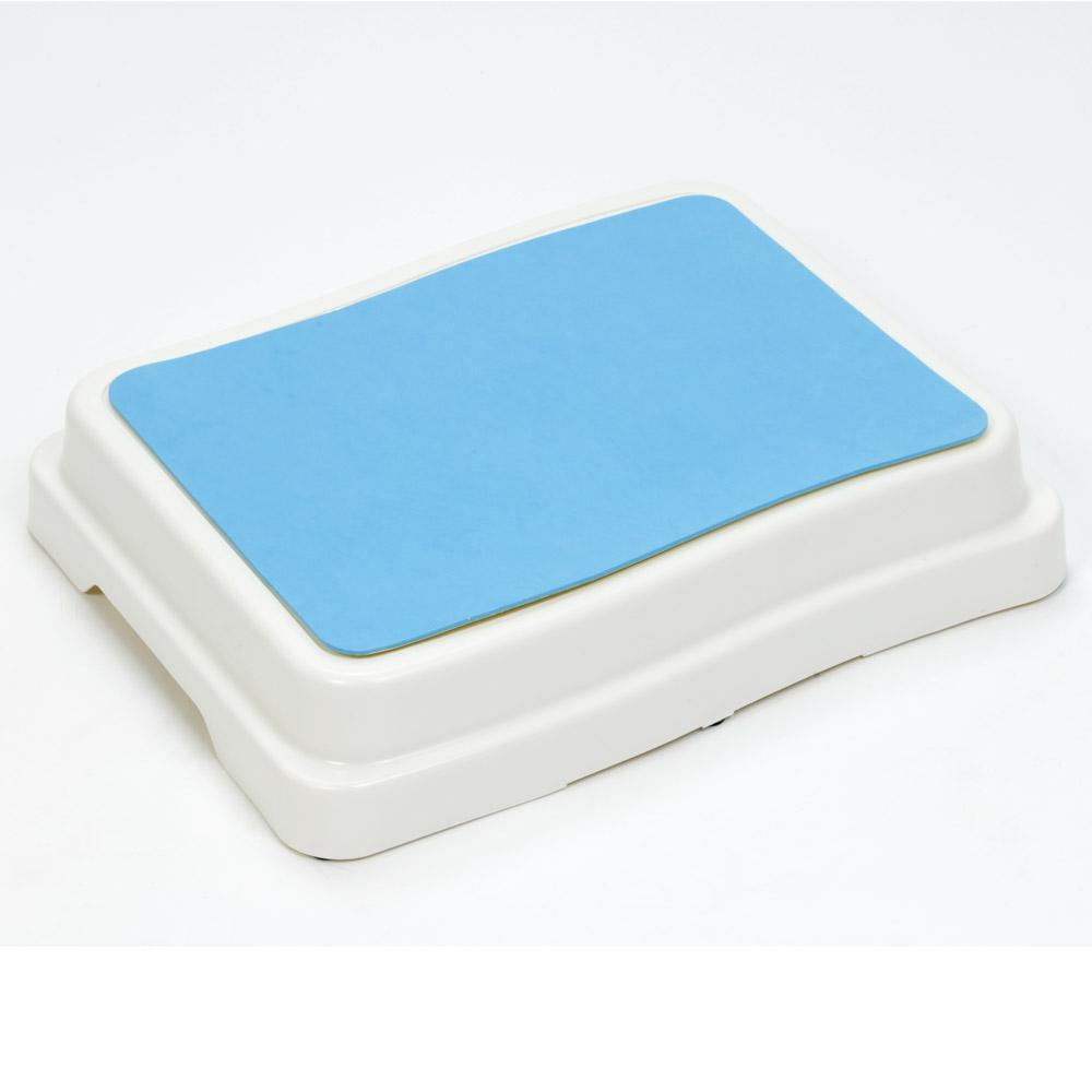 •Legen Sie die Badewannen-Einstiegshilfe einfach vor die Wanne und erleichtern sich auf diese Weise ganz einfach den Ein- und Ausstieg.