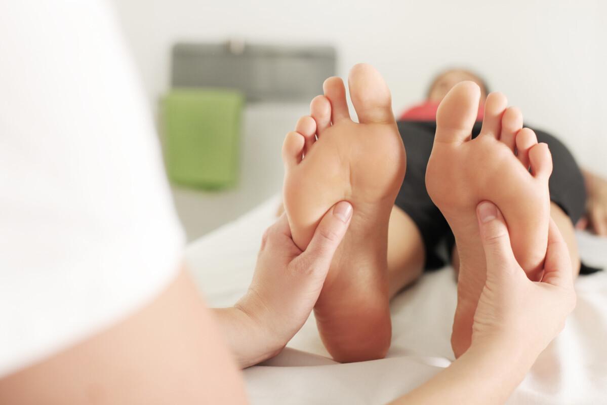 Unter der Lupe: Was können Fußmassagegeräte leisten?