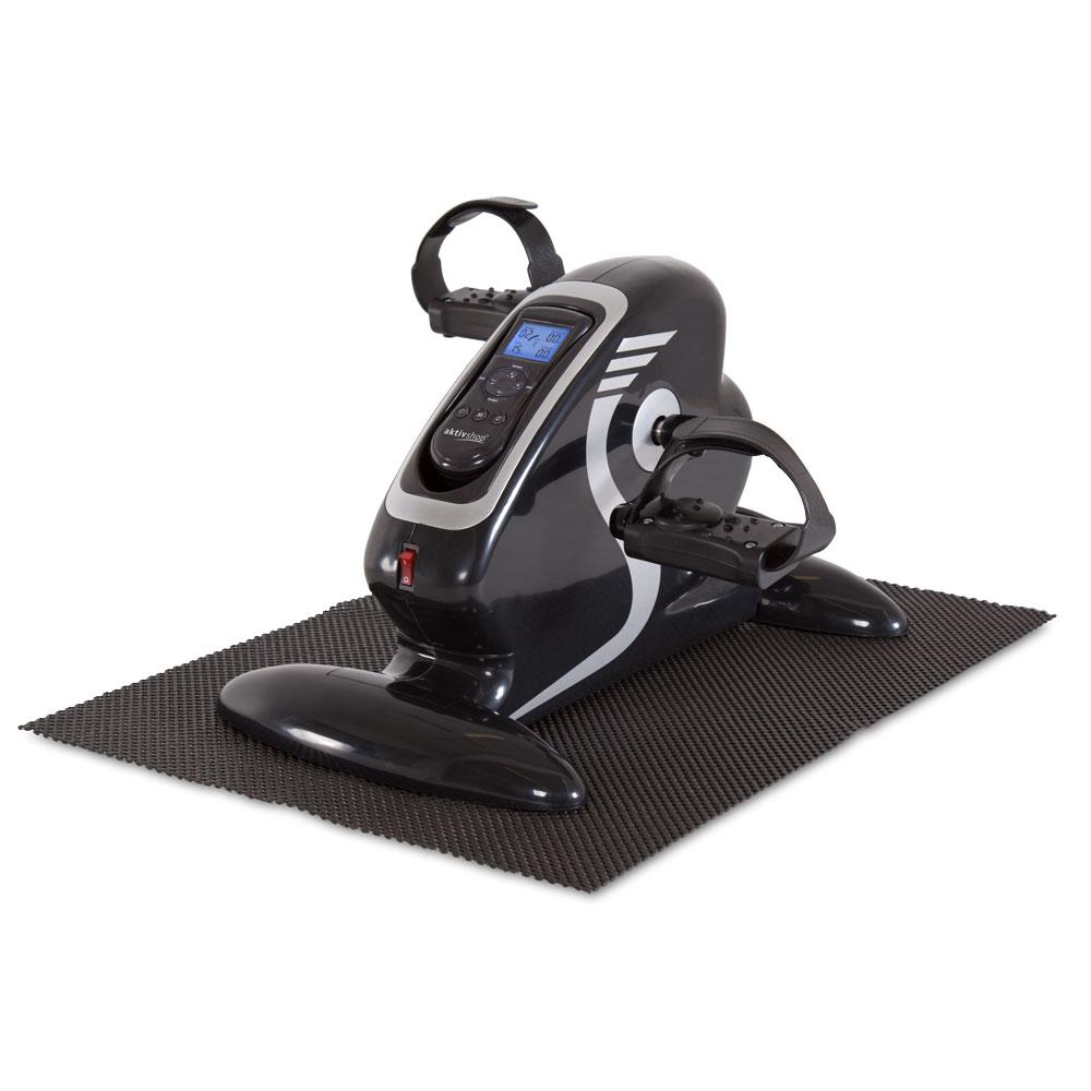 Den Elektro-Mini-Heimtrainer liefern wir Ihnen inklusive Anti-Rutschmatte und extra Massage-Handgriffen.